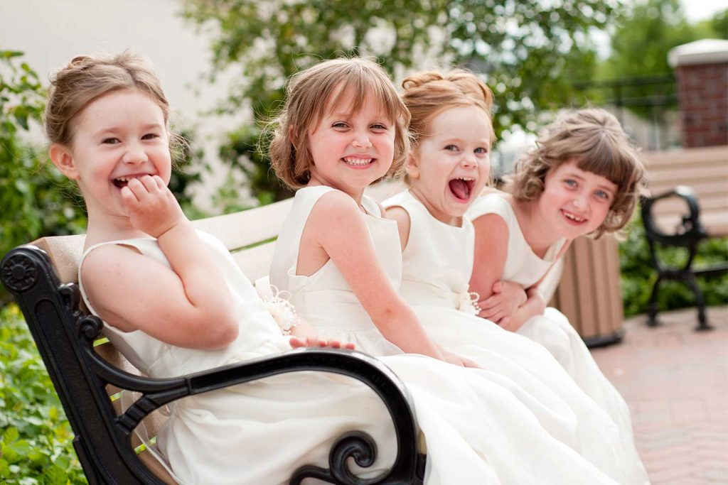 Should you invite your guest's kids to you wedding?