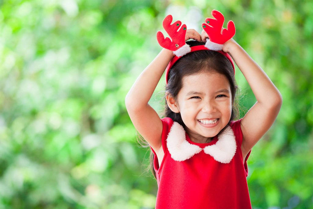 Safe-and-Sound-Events-cure-girl-with-antlers-on